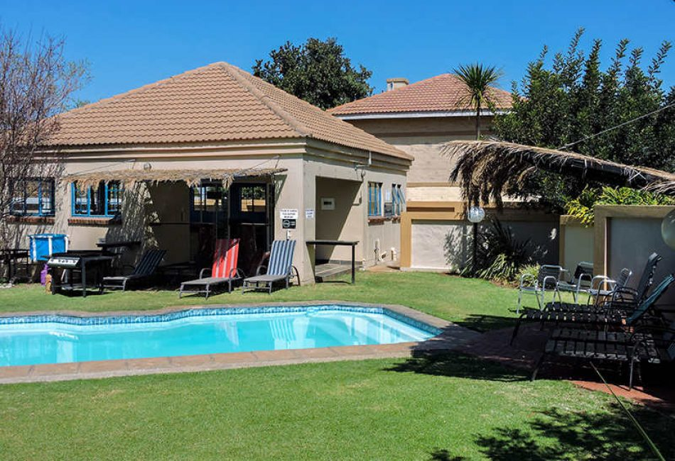 Swimming Pool At The Vaal Dam